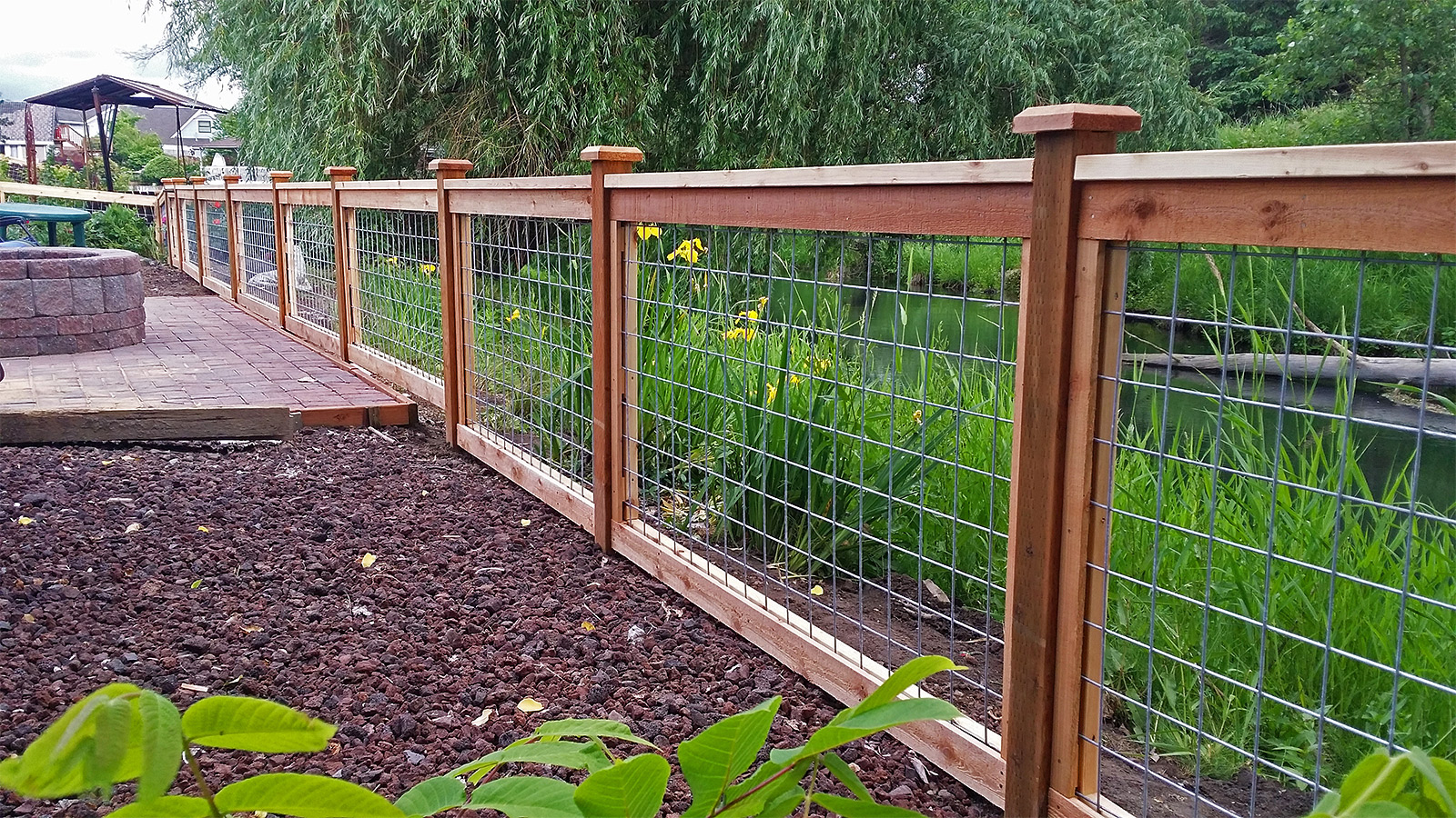 Awesome Wood Framed Wire Fence Panels throughout size 1600 X 900