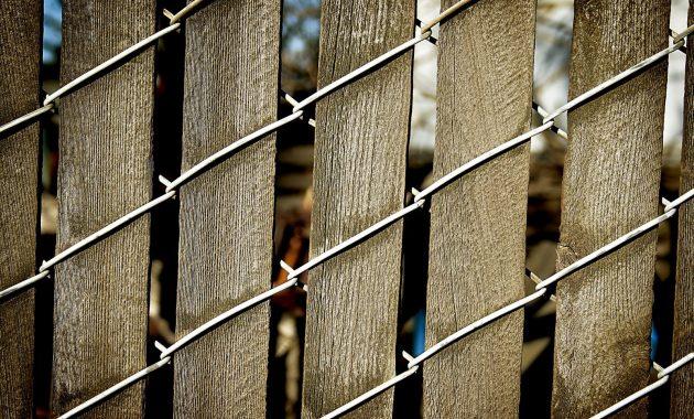 Cedar Wood Slats For Chain Link Fence Fence Ideas Site