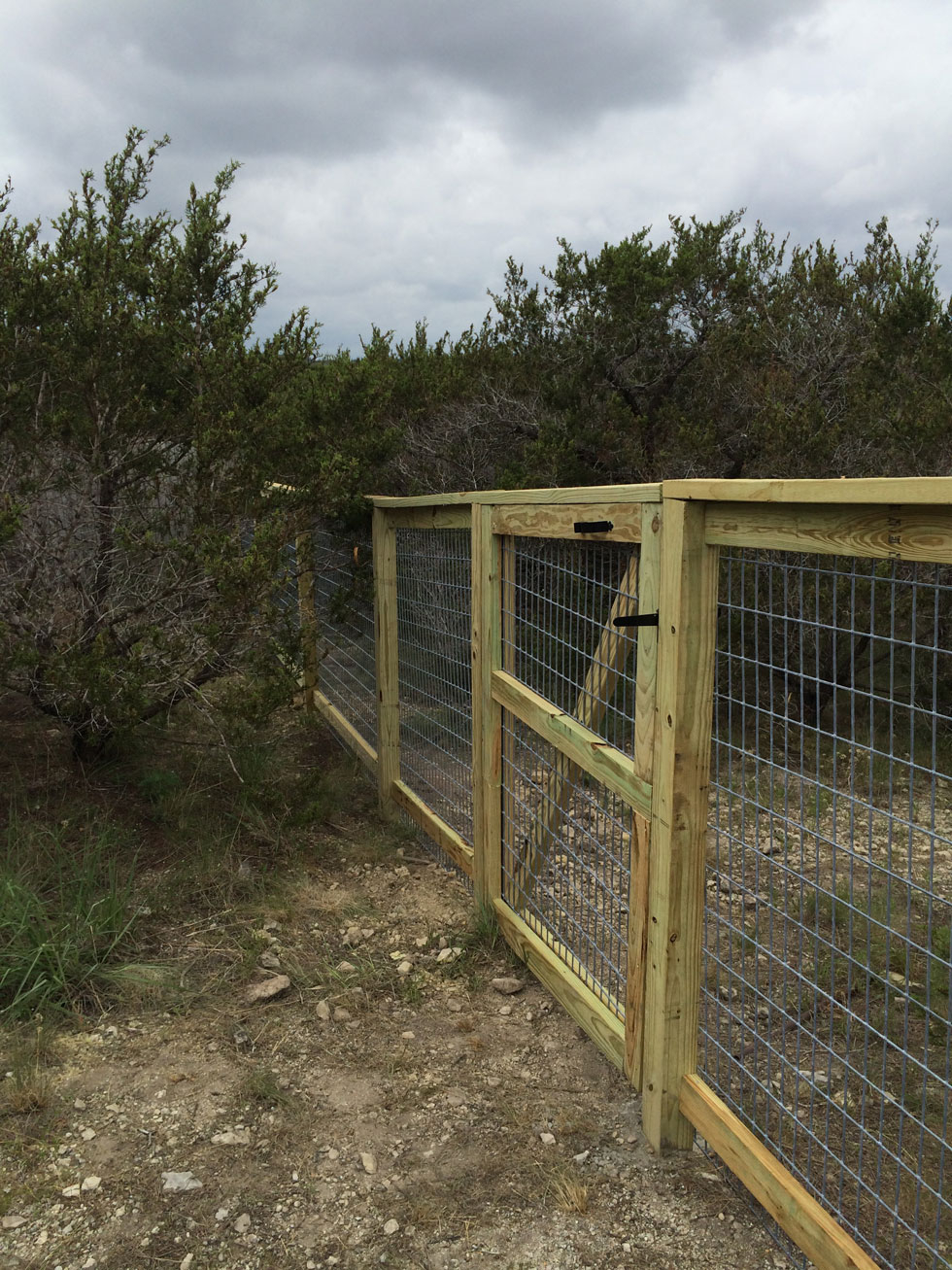 Decorative Cattle Panel Fence Installation Bc Fence with regard to measurements 980 X 1307