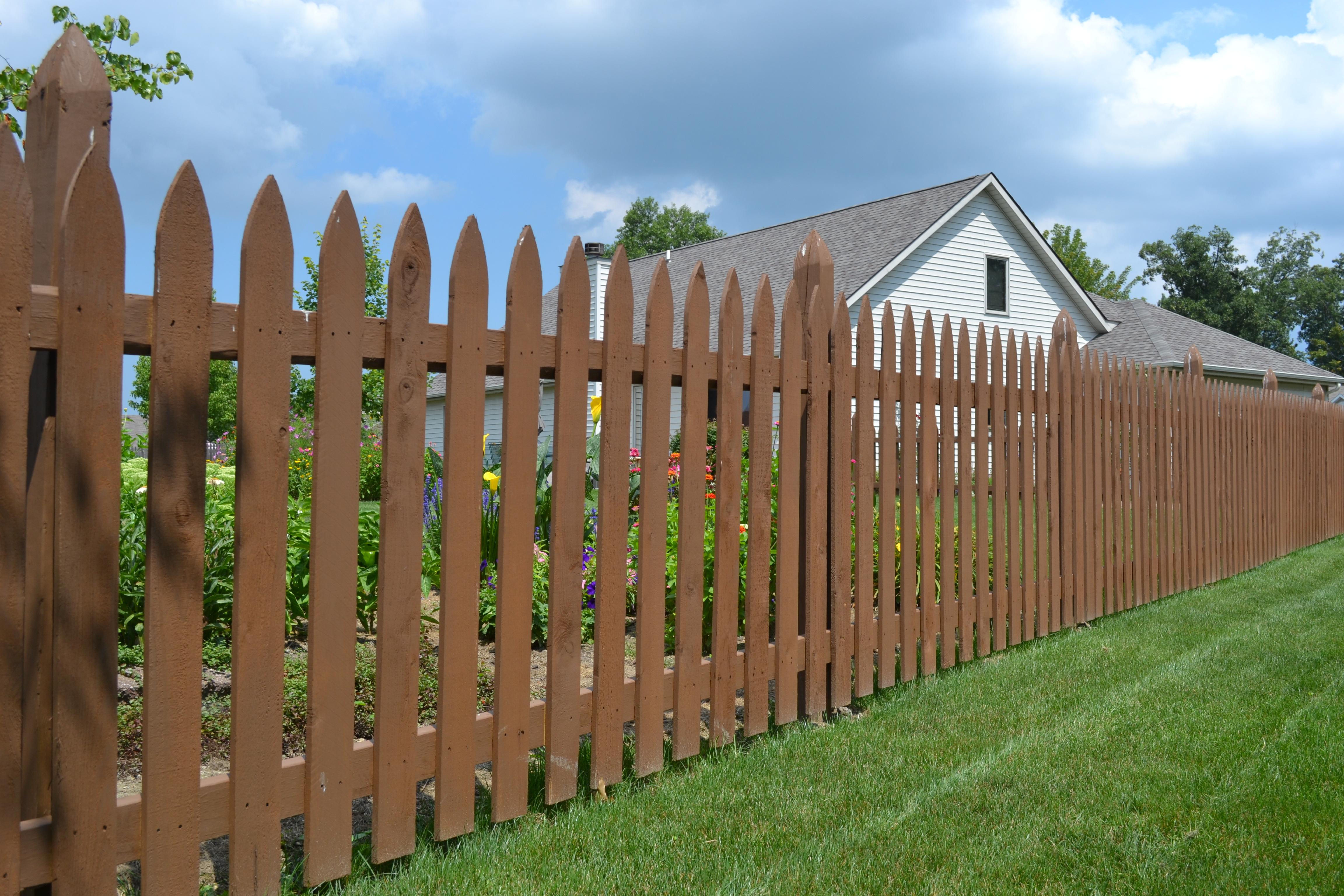 Brown Vinyl Picket Fencing Fence Ideas Site