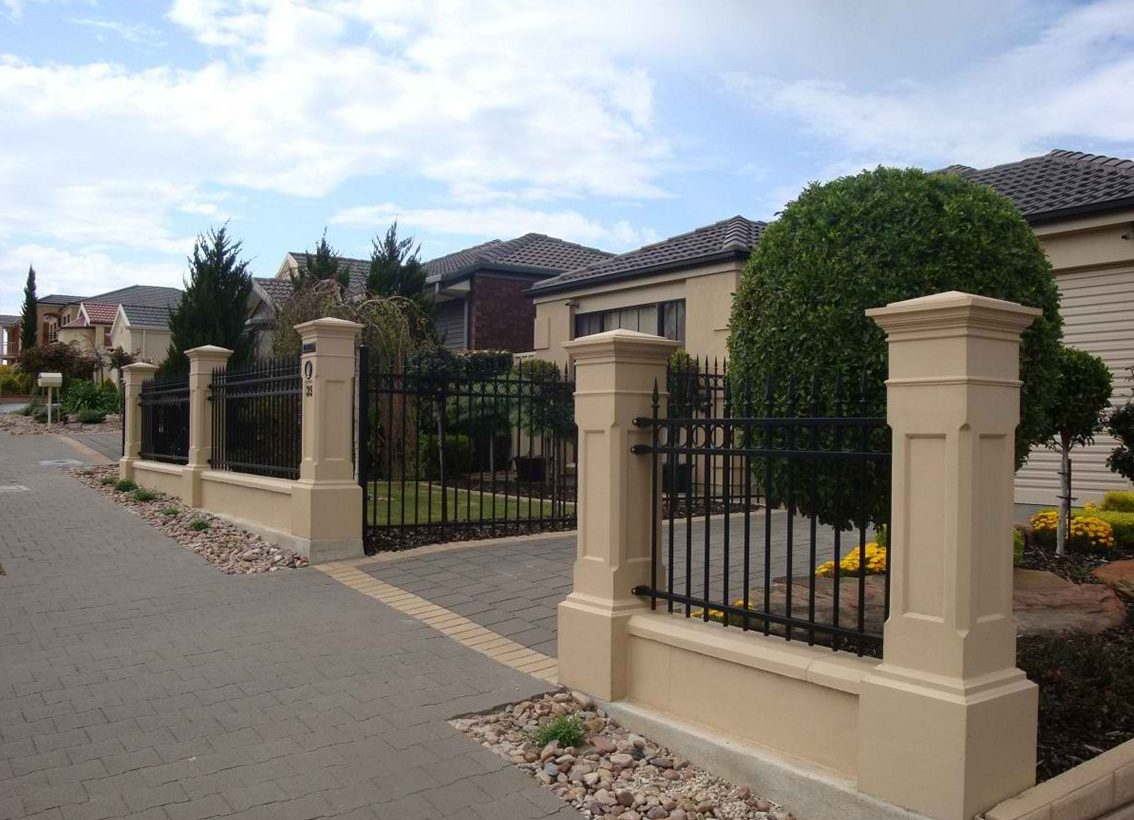 Front Yard Fence Ideas Homestylediary regarding proportions 1134 X 820