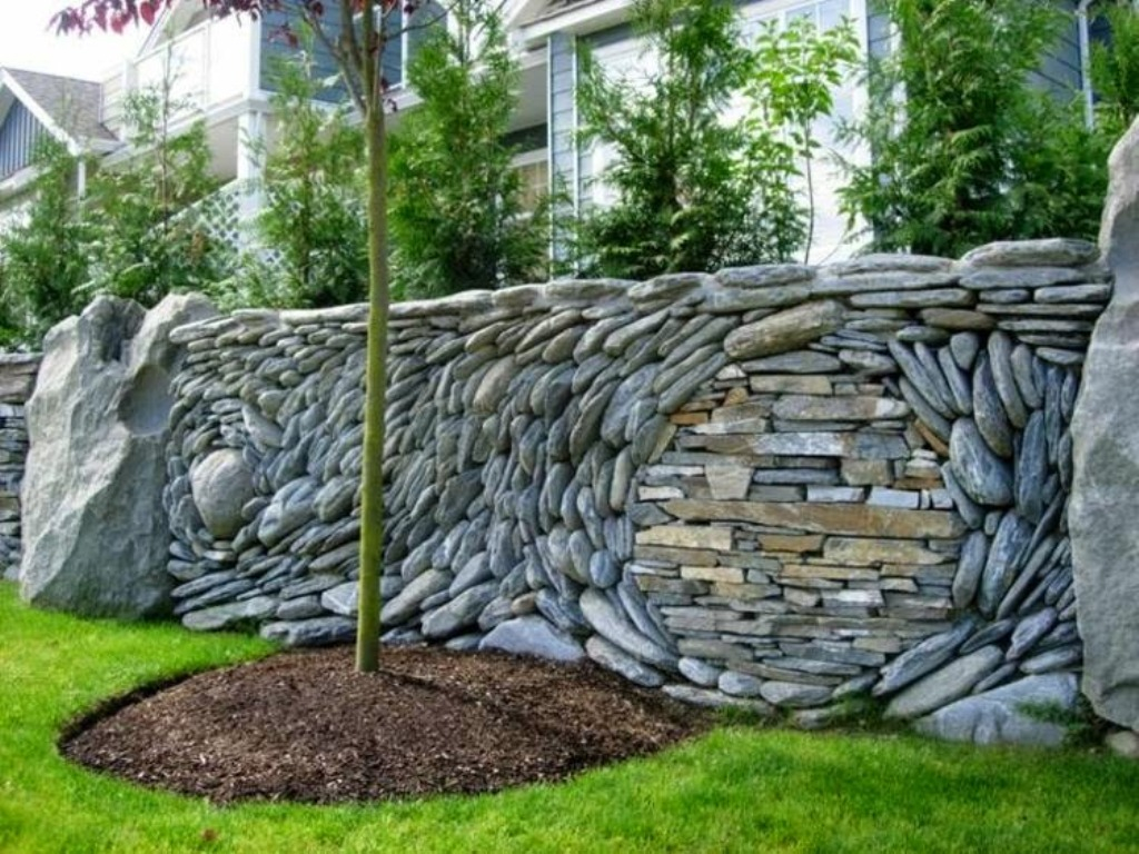 Natural Fence Ideas For Large Yards Ideas Design Idea And intended for measurements 1024 X 768