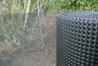 Plastic Garden Fencing 1m X 10m Black 5mm Holes Green Netting Robust in size 1600 X 1200