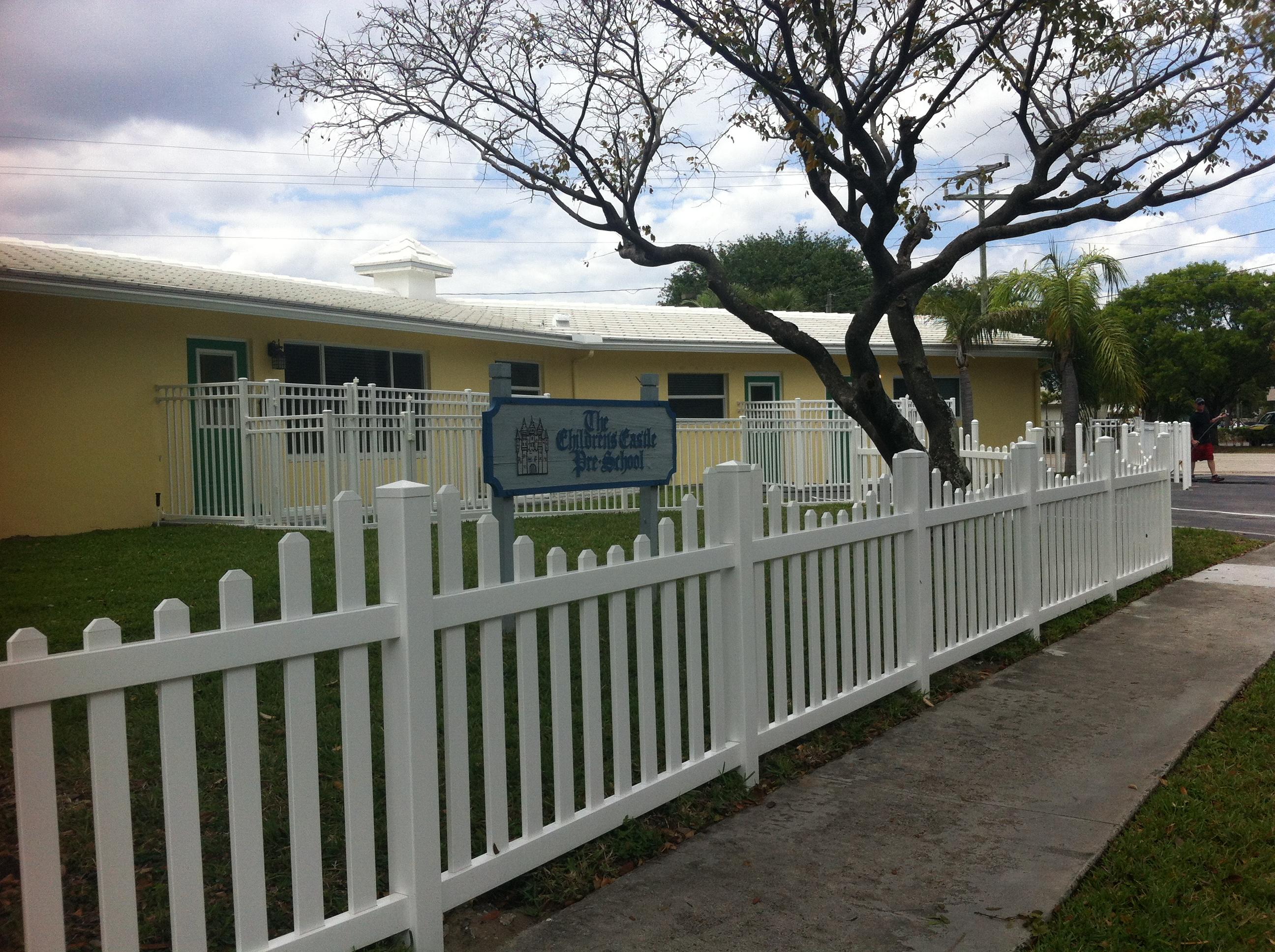Pvc Residential Fence Building Bulldog Fence Company Of South Florida regarding size 2592 X 1936