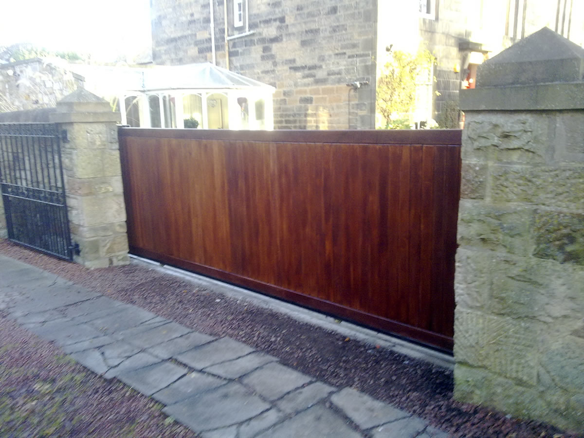Sliding Wooden Driveway Gates Fascinating Retractable Fence For pertaining to size 1200 X 900