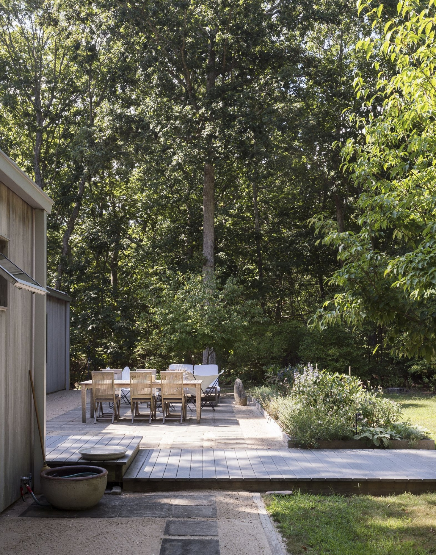 Landscaping Ideas 16 Sustainable Design Tips For A Garden within measurements 1466 X 1866