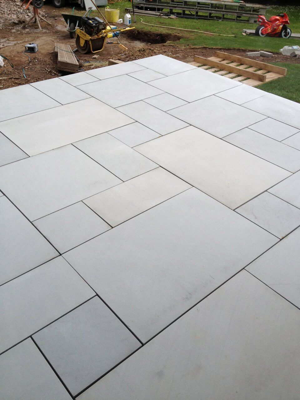 Sawn Kandla Grey Indian Sandstone Garden Slabs Driveway within measurements 960 X 1280